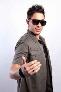 Luis Guisao - Artiste Latino