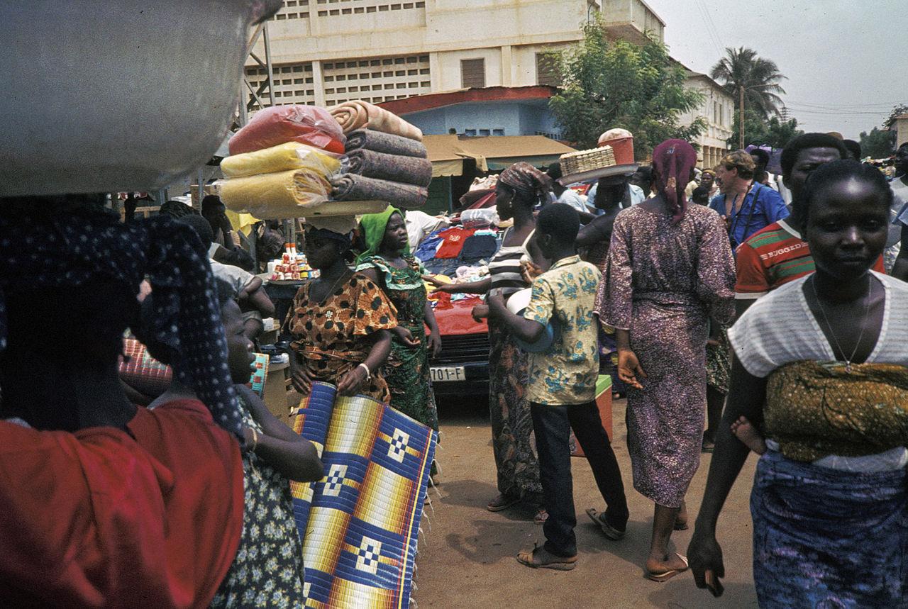 1280px-Togo-benin_1985-079_hg