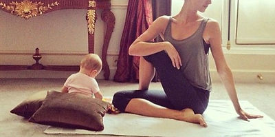 Seance-de-yoga-matinale-avec-bebe_edited