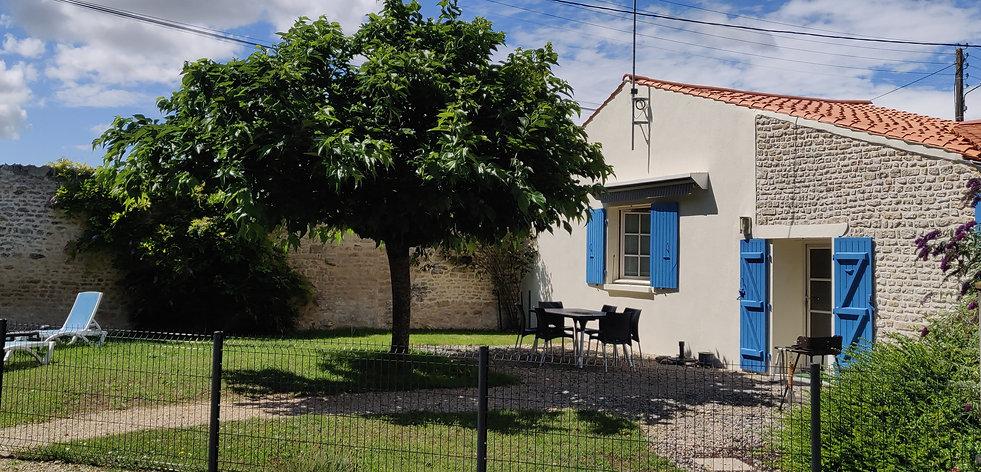 1.jardin privatif du farfadet.jpg