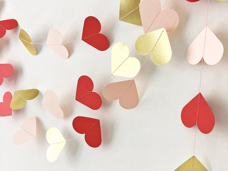 2019's Best Valentine's Day Garlands and Where to Get Them