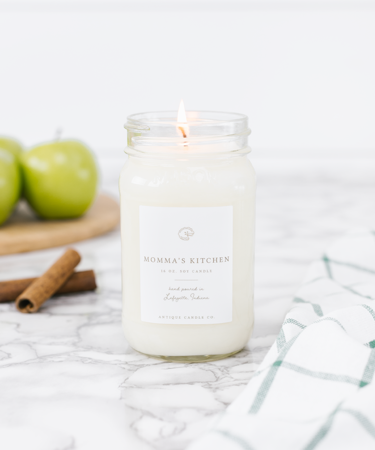Momma's Kitchen - Antique Candle Co.