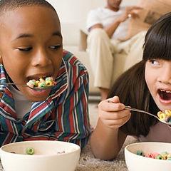 650x350_kids-eating_edited.jpg