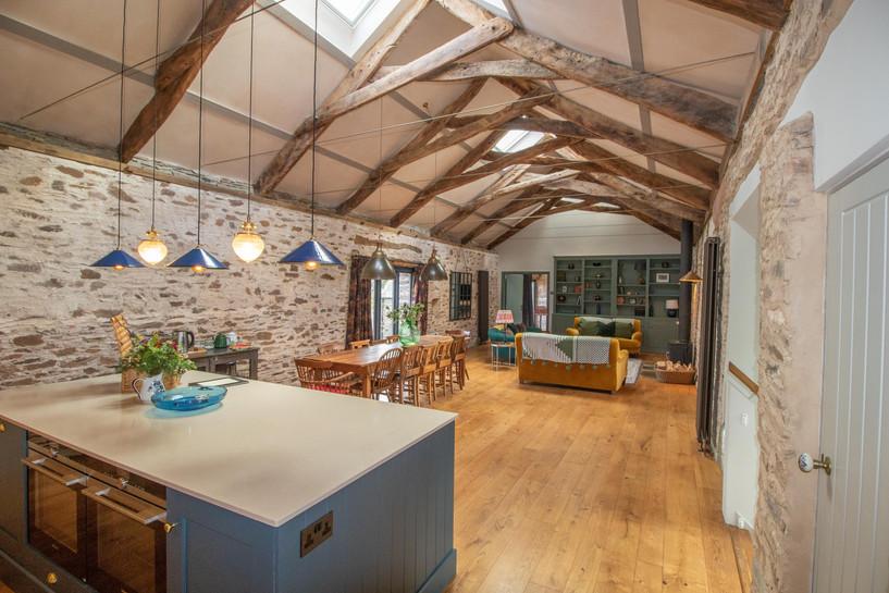 kitchen:lounge 1.jpg