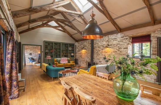 kitchen:lounge 2.jpg