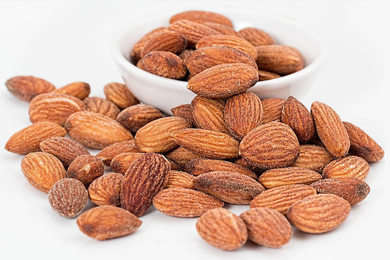Almonds and nuts benefits for the heart