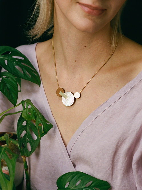 Celeste II Necklace in Mother of Pearl