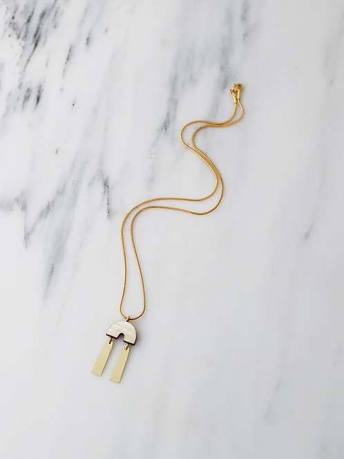 Cecilie Necklace in Mother of Pearl