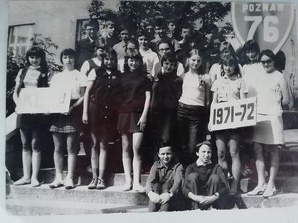 James, Klaudia ( 3rd from left) Podastaw