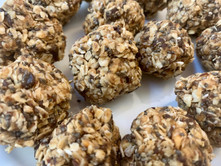 Vegan Peanut Butter Energy Balls, a.k.a. A Legit Alternative To Cookies
