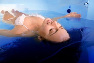 lying in float tank