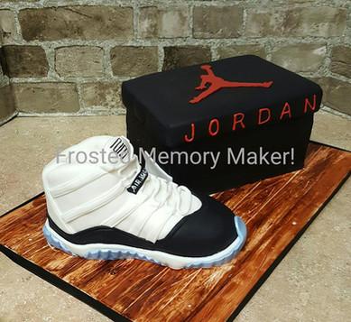 Jordan Shoe Box cake with 3D shoe