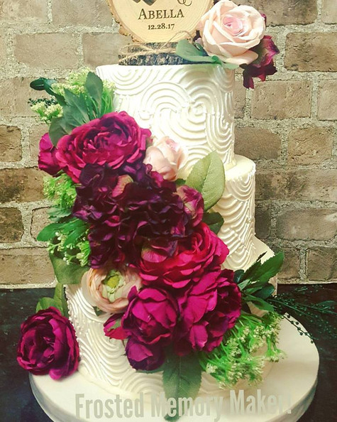 Ribbed piped textured wedding cake