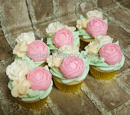 Cupcakes with buttercream flowers