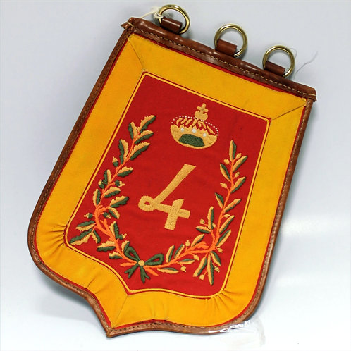 Sabretache du 4e hussard, broderie main, intérieur cuir ( 45 cm / 33 cm)