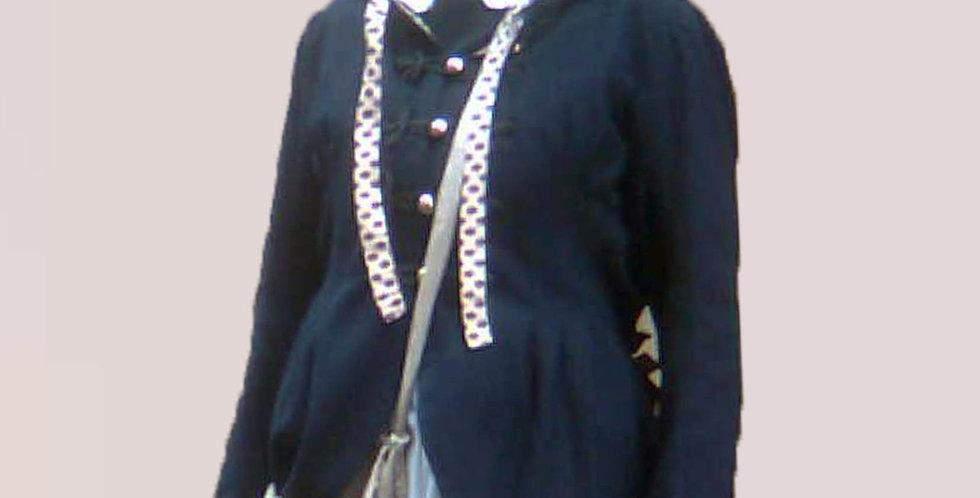 Veste à basques, en drap de laine, arrondies et effet plongeant dans le dos