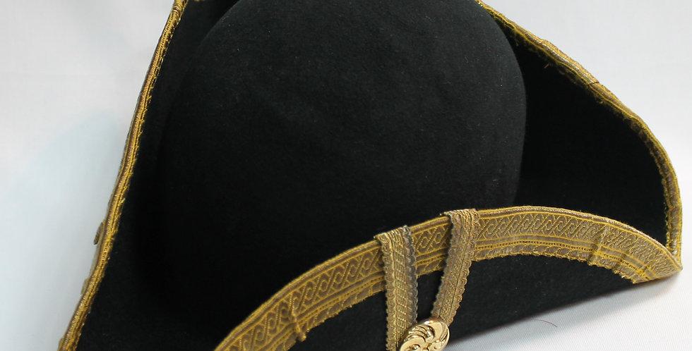 Tricorne en véritable feutre de laine, bordé de galon ancien