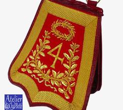 sabretache-Officier-de-4eme-regiment-de-hussard-au-premier-empire-big.jpg