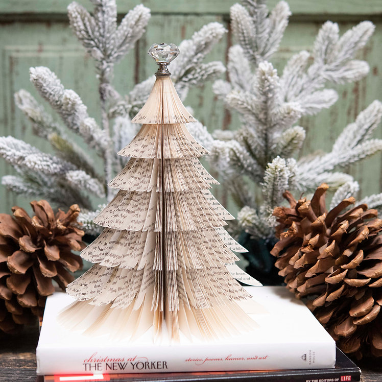 Book Old World Christmas Tree
