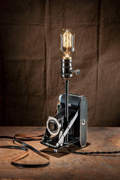 Kodak Tourist II camera lamp