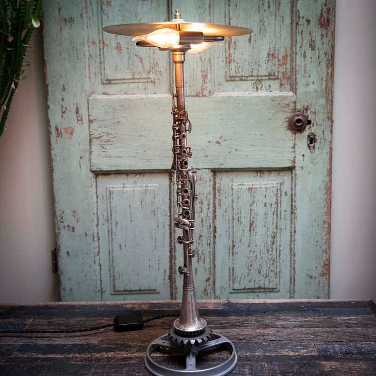 Metal Clarinet with Cymbal shade