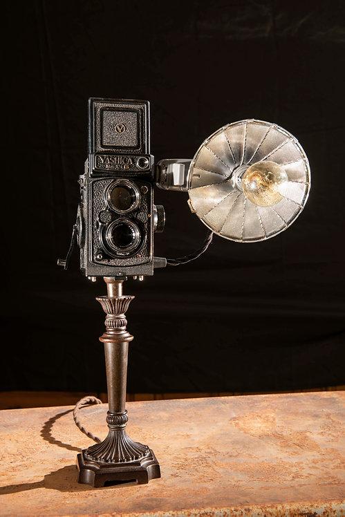 Yashika; Twin lens reflex lamp