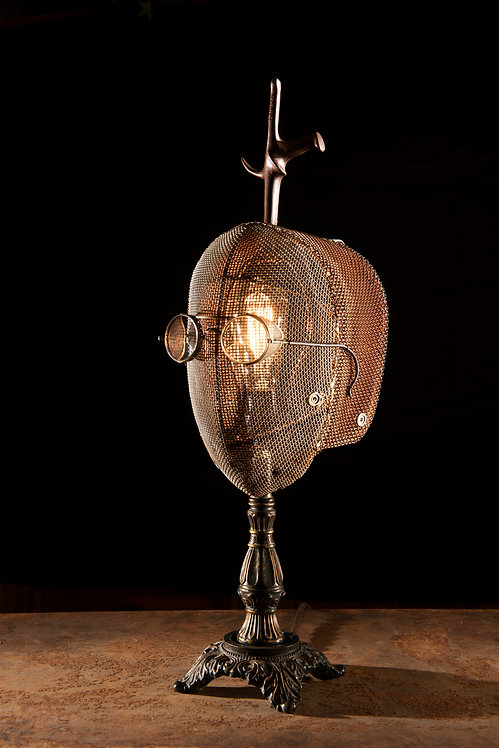 Fraank; Fencing mask, epee and safety glasses lamp