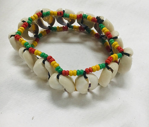 Cowrie shell bracelet, with beads