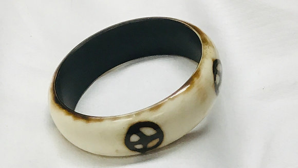 Beige Wood Bracelet with peace sign