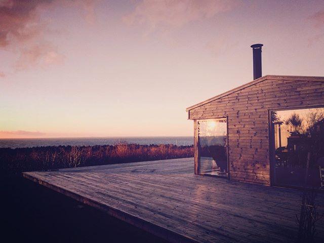 cabin overlooking ocean