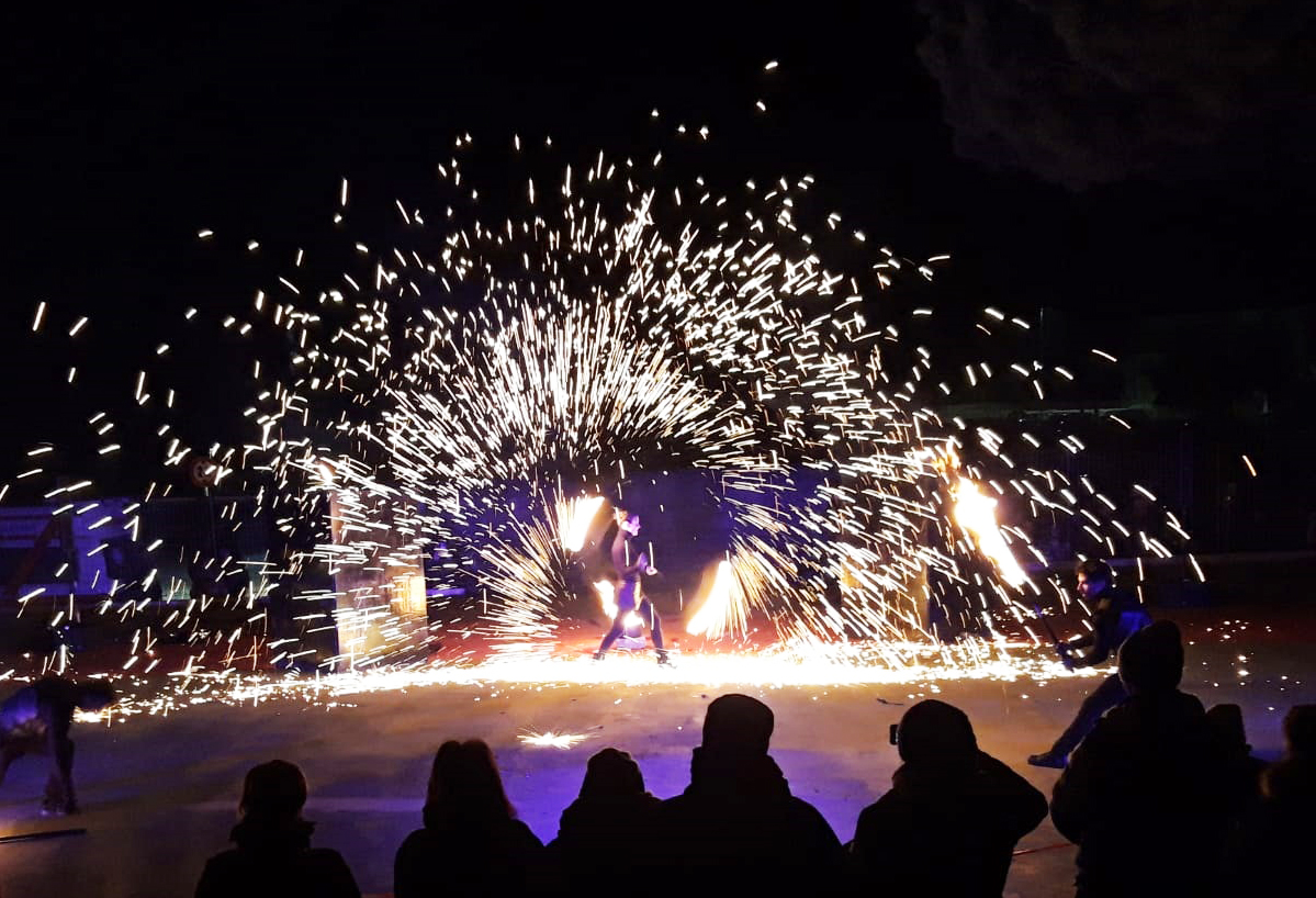 spark-fire-show