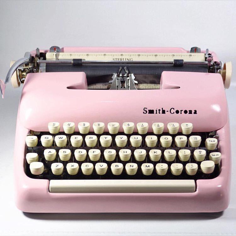 pink typewriter, copywriter, content, blog writer, website copy, perth, sydney, melbourne, gold coast