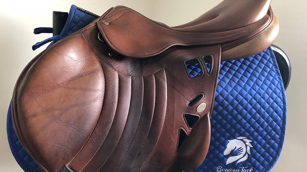 "18.5"" Dutton rz wisair monoflap saddle - adjustable 4.5"" dot to dot"
