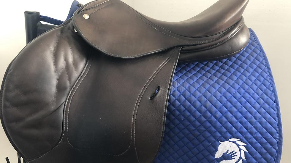 """17.5"""" Schleese Eagle saddle - medium adjustable"""