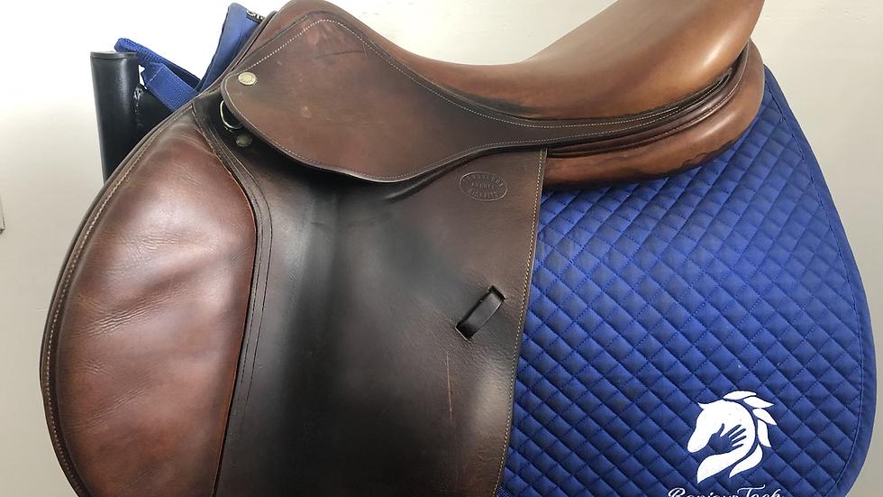 """18"""" Devoucoux Donibane saddle - 1998 - 2 - 4.5"""" dot to dot"""
