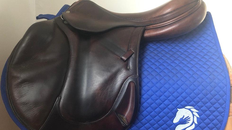 "18.5"" Antares saddle - 2005 - 4AB - 4.5"" dot to dot"