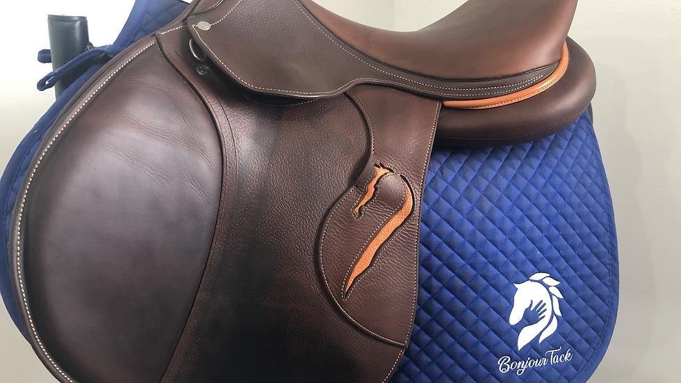 """18"""" Antares Comfort 2 saddle - 2018 - 3AAB - 5"""" dot to dot"""