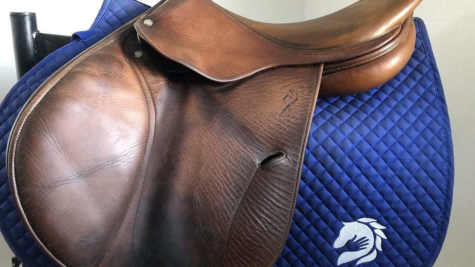 """17"""" Antares saddle - 2001 - 2A - 4.25"""" dot to dot"""