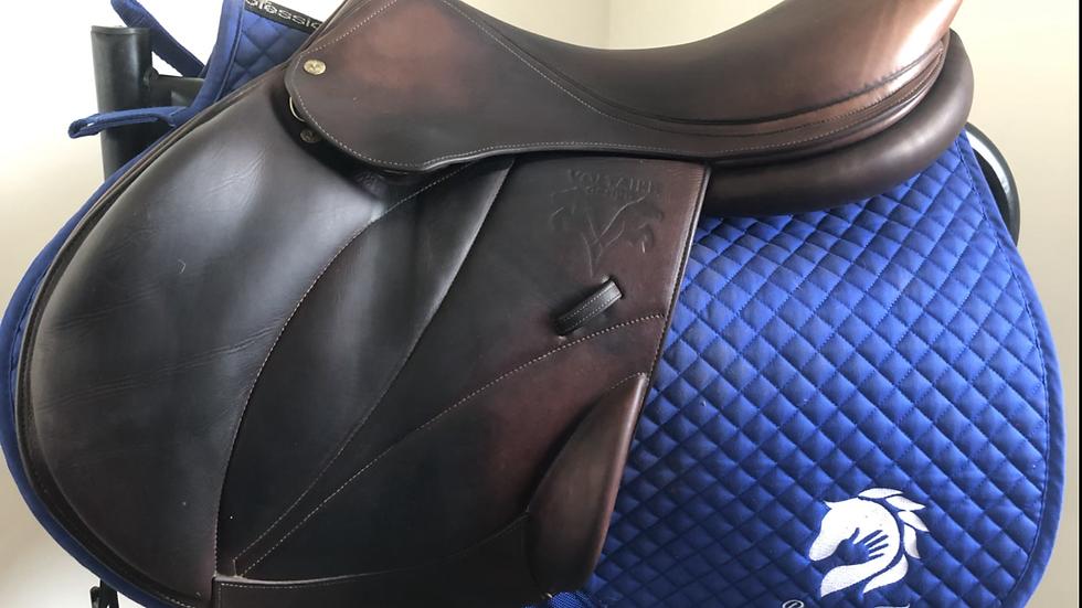 """18"""" Voltaire Lexington saddle - 2011 - 2A - PRO 4.5"""" dot to dot"""