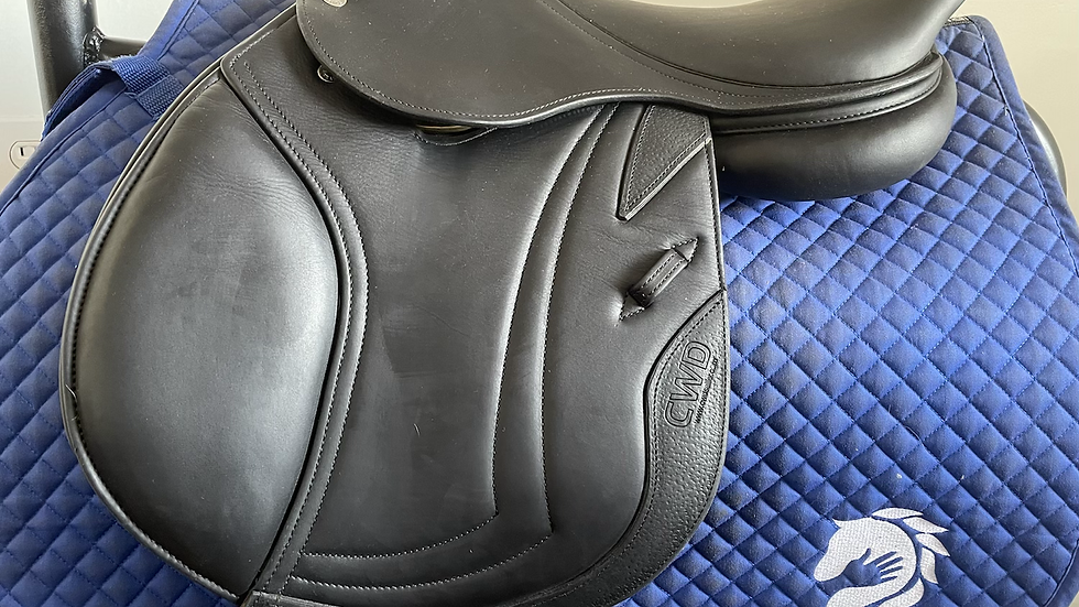"15.5"" CWD Se19 saddle - 2014 - 0L - 4.25"" dot to dot"