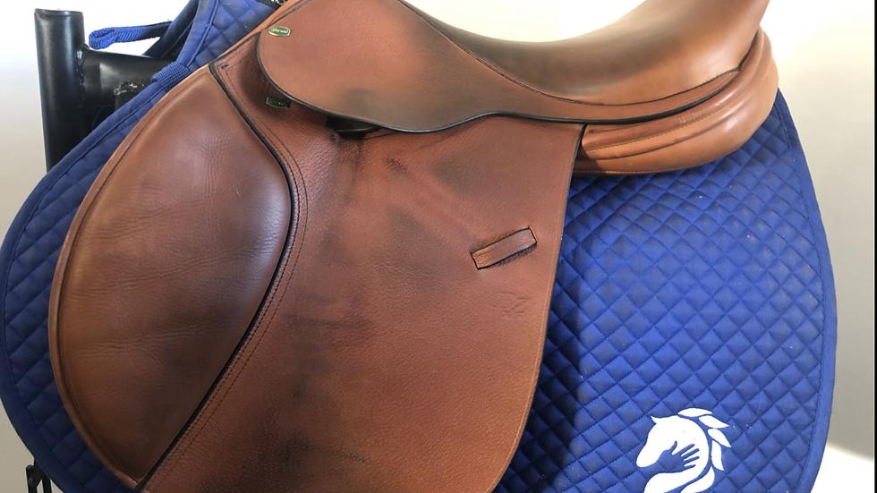 """17"""" Beval BZ natural saddle - 2015- 4.75"""" dot to dot"""