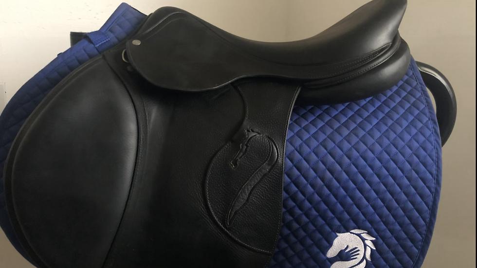 "17.5"" Antares Classique saddle - 2015 - 3A - 4.5"" dot to dot"