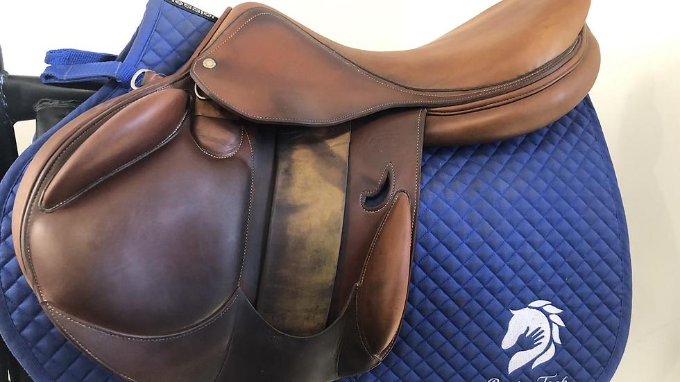"18"" Devoucoux Ioldy saddle - 2010 - 1AA- 4.25"" dot to dot"