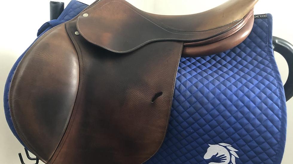 """17"""" Antares P saddle - 2001 - 2A - 4.75"""" dot to dot"""