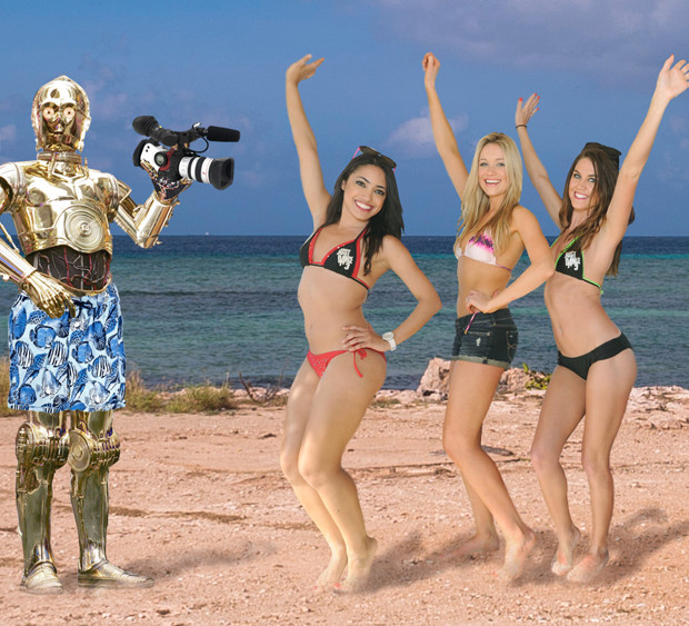 C3PO With Girls On A Beach