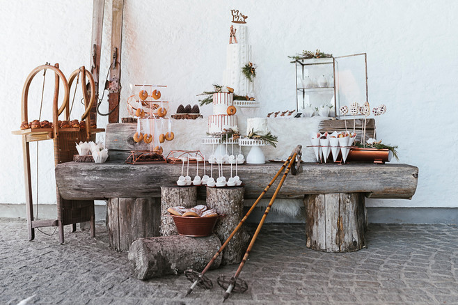 Sweet-Table vor der AVIVA Alm | Heiraten in Oberösterreich