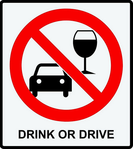 Driving or drinking in Vietnam, yu have to choose now!