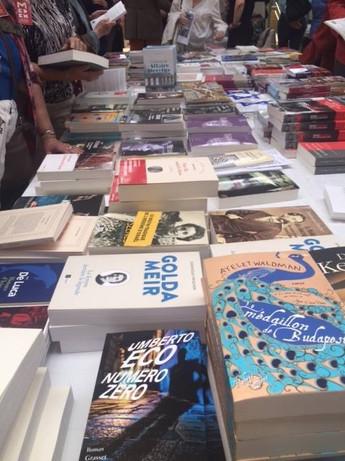 פריז כפריזאי תרבות ספרים אומנות