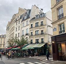 Paris like a Parisian hanging out in Paris.jpeg