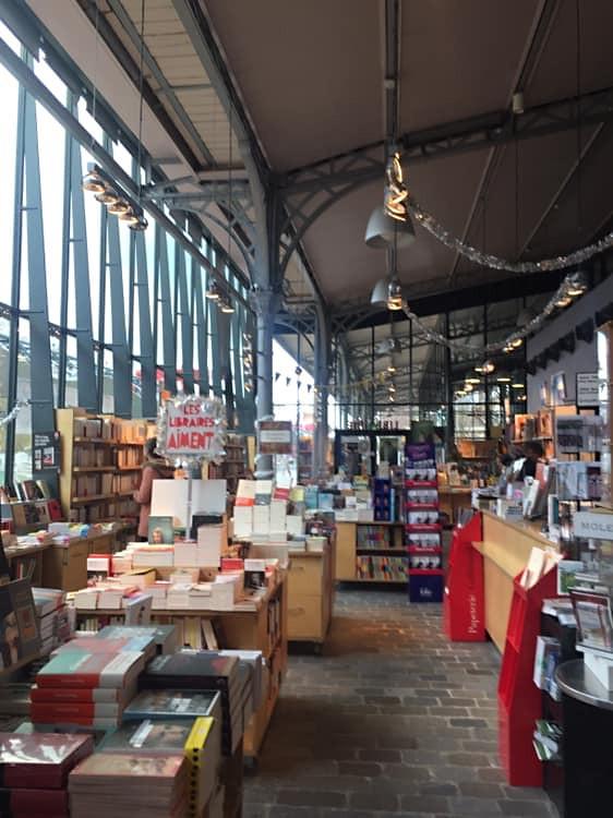 פריז כפריזאי תרבות ספרים